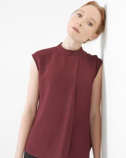 Dropped Hem Pleated Top