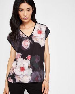 Chelsea Black V-neck T-shirt