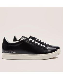 Plain Sneaker