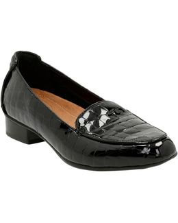 Keesha Luca Embossed Patent Leather Loafers