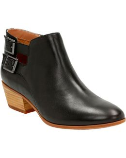 Cushion Plus Spye Astro Leather Ankle Boots