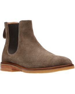 Clarkdale Gobi Leather Chelsea Boots