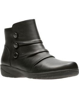 Cheyn Anne Ankle Boots