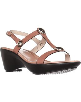 Toggle Low-heel Comfort Sandals