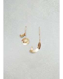 Gold Daisy And Leaf Floral Earrings