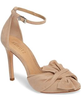 Natally Heel