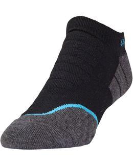 Men's Ua All Season Cool Tab No Show Socks