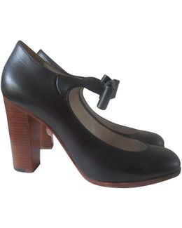 Pre-owned Leather Pumps