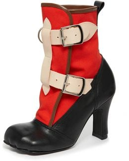 Bondage Boot Red