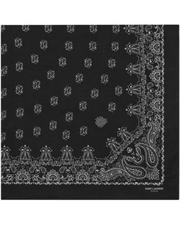 Bandana Square Scarf In Black And White Paisley Printed Cashmere And Silk Étamine