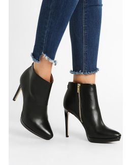 Sandria Ankle Boots