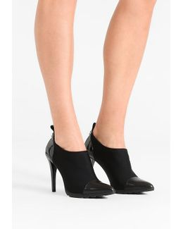 Madeira Ankle Boots
