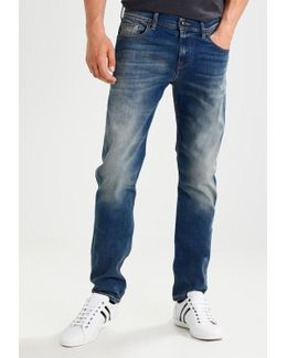 Chad Fullproof Straight Leg Jeans