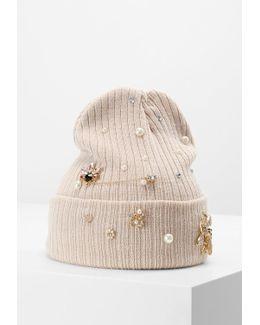 Veawia Hat