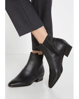 Fausta Ankle Boots
