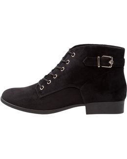 Gitana Lace-up Boots