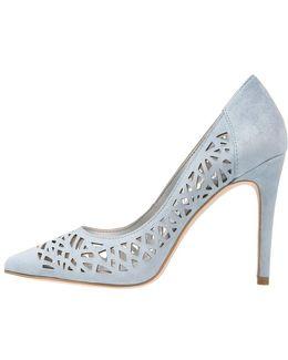 Harrah Classic Heels