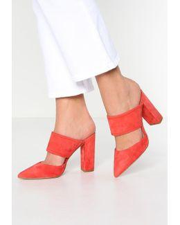 Houston Sandals
