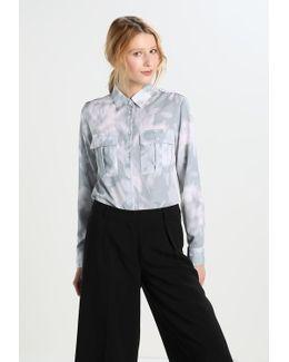 Dillon Utility Pocket Loren Floral Shirt