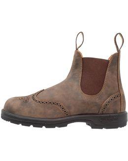 Classic Wingcap Boots