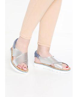 Oruga Platform Sandals