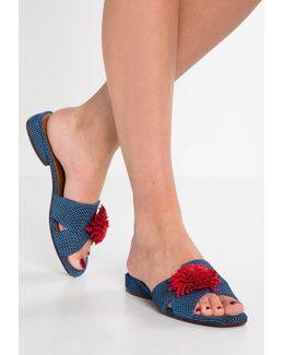 Naia Sandals