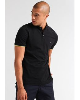 Porter Fitted Basic T-shirt