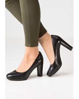 Kendra Sienna Platform Heels