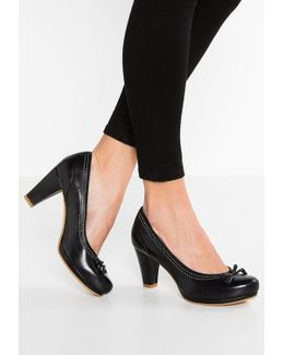 Chorus Bombay Classic Heels