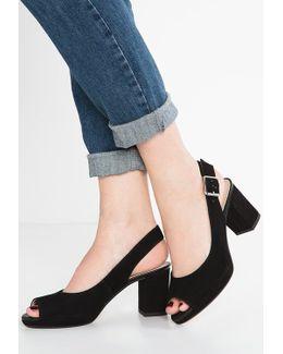 Kelda Spring Classic Heels