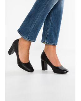 Chryssa Ari Classic Heels
