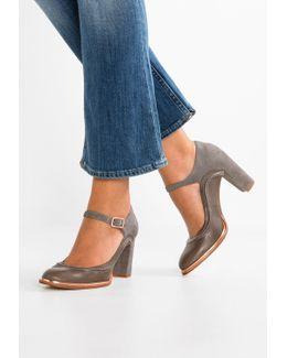 Ellis May Classic Heels