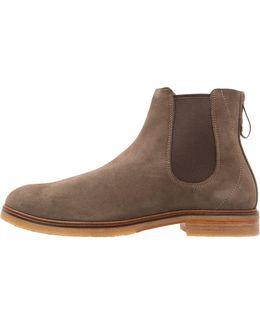 Clarkdale Gobi Boots