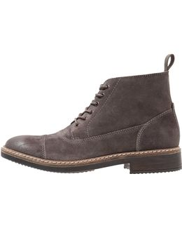 Blackford Cap Lace-up Boots