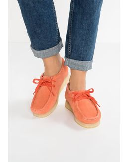 Wallabee Casual Lace-ups