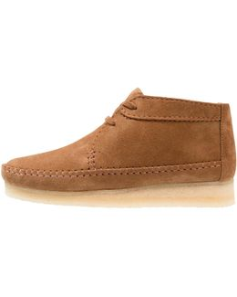 Weaver Casual Lace-ups