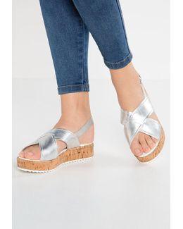 Kriss Platform Sandals