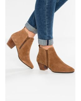 Perdy Block Heeled Ankle Boots