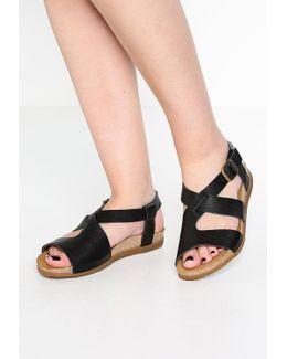 Zumaia Sandals