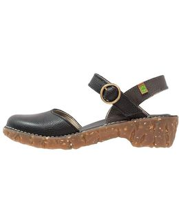 Yggdrasil Sandals