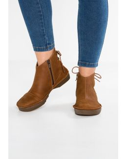 Ricefield Lace-up Boots