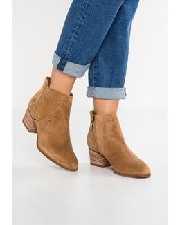 Erynn Ankle Boots