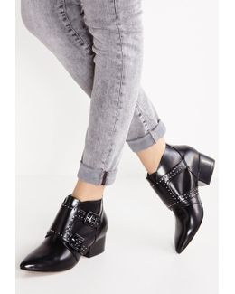 Roree Ankle Boots