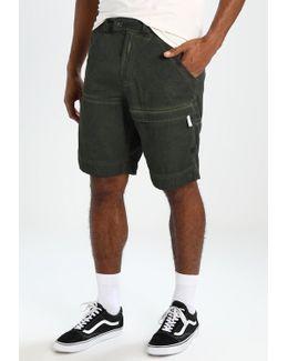 Rackam Cargo 1/2 Tapered Shorts