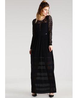 Kyara Maxi Dress