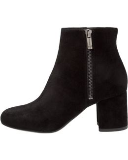 Rallee Ankle Boots