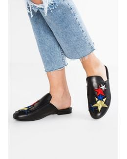 Wallice Iii (star Patches) Sandals