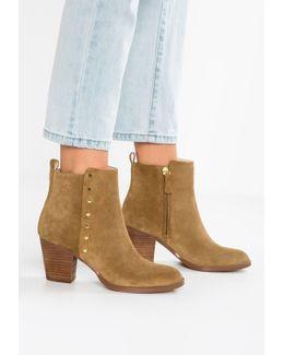 Freeport Boots