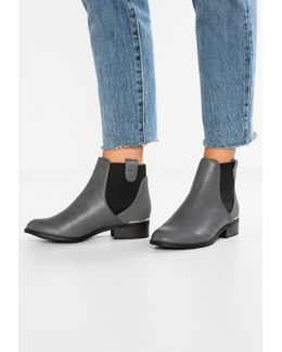 Darlington Chelsea Ankle Boots