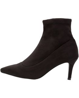 Bev Boots
